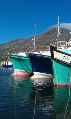 Vissersbote in Houtbaai Earth And Solar System, Travel Around The World, Around The Worlds, Africa Day, Cape Town South Africa, The Beautiful Country, Most Beautiful Cities, Places Of Interest, Fishing Boats
