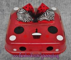 "(www.facebook.com/glammybug) Vinyl Design Red & Black 9 ct. Cupcake Pan/Carrier ""Glammy Bug Design Boutique"" Cricut Vinyl, Cupcake Container, Cupcake Carrier, Cupcake Holders, Cupcakes, Circuit Projects, Dessert Plates, Silhouette Cameo Projects, Vinyl Designs"