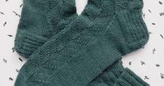 Hauki on kala Fingerless Gloves, Arm Warmers, Socks, Knitting, Fashion, Fingerless Mitts, Moda, Cuffs, Tricot