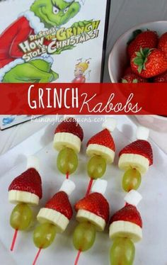 Decorated Grinch Kabobs-snack for grin check day at school? Christmas Treats To Make, Christmas Snacks, Xmas Food, Christmas Appetizers, Christmas Cooking, Holiday Treats, Christmas Fun, Holiday Recipes, Christmas Decorations