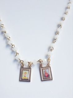 Scapular Necklace, White Short Crystal Rosary, Gold Divine Jesus child and Virgin Mary Pendant, Gold filled, Religious jewelry #etsy #venezolanosenmiami