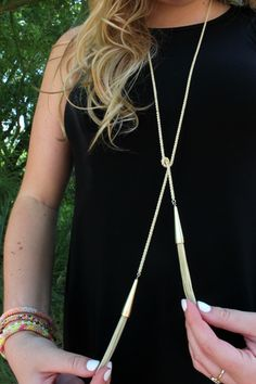 Kendra Scott Phara Necklace - 6 WAYS to wear 1 necklace!!! Bracelets: Lily & Laura