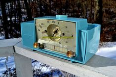 """POWDER BLUE AND SPARKLING SILVER Mid Century 1959 General Electric Model 912 Tube AM Clock Radio So Sweet! DIMENSIONS: Approximately 13"""" x 6"""" x 6.5"""" (l x w x h)"""