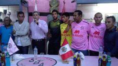 Sport Boys presentó la camiseta que utilizará esta temporada en su lucha por volver a Primera División. La nueva piel del cuadro rosado fue presentada en su sede central y contó con la presencia de Julio Meléndez. March 12, 2015.