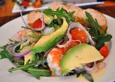 Салат с крабовым мясом и авакадо лимонный сок майонез