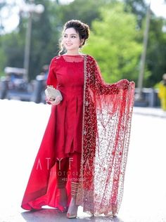 Lovely Girl Picture Source by dresses indian Pakistani Formal Dresses, Pakistani Fashion Party Wear, Pakistani Wedding Outfits, Pakistani Dress Design, Indian Dresses, Wedding Hijab, Fancy Dress Design, Stylish Dress Designs, Designs For Dresses
