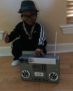 I am hip-hop. I am Run DMC Creative kid costume Unique Toddler Halloween Costumes, Theme Halloween, Halloween Costume Contest, Halloween Kids, Costume Ideas, Run Dmc Costume, Hip Hop Costumes, Scary Costumes, 80s Costume
