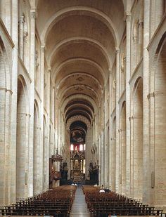 FRENCH ROMANESQUE: Interior St. Sernin. This picture is very similar to the one in the book! I love the dimension of this structure. The arches seems smooth and made of stone of course. The saturation is quite low.