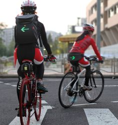 seil bag for cyclists signals traffic signs through LED lights - designboom | architecture & design magazine