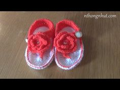 Crochet baby sandals tutorial (engsub) - YouTube