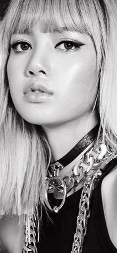 She looks like an adorable barbie😍 Kpop Girl Groups, Korean Girl Groups, Kpop Girls, Korean K Pop, Jennie Lisa, Portraits, Blackpink Jisoo, Cool Dance, Girl Bands