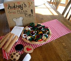 I think my niece will need me to make this for her...Play pizza restaurant in a box