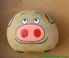 Painted stones for children-pig rnrnSource by Wiritsa Rock Painting Patterns, Rock Painting Ideas Easy, Rock Painting Designs, Pebble Painting, Pebble Art, Stone Painting, Painted Rocks Craft, Hand Painted Rocks, Painted Stones