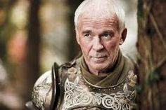 Barristan Selmy - Lord commandant de la garde royale, puis Arstan Barbe-Blanche, protecteur de Daenerys Targaryen