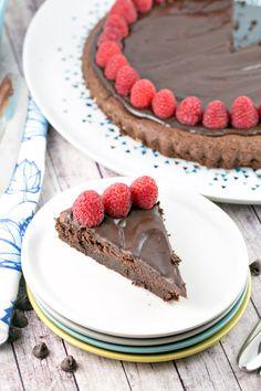 Flourless Chocolate Cake: A rich, one bowl flourless chocolate cake,  perfect for Passover