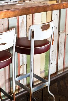 The Crab Shack (New Zealand). Restaurant Bar Stool and Barcounter.