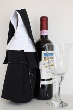 Wine Nun Wine Bottle Cover Costume and Unique Gift by WineMonk Gifts For Wine Lovers, Wine Gifts, Wine Bottle Crafts, Bottle Art, Bottles And Jars, Glass Bottles, Wine Pull, Wine Bottle Covers, Wine Decor