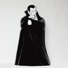 Dracula cookie jar. This is a must for my kitchen.