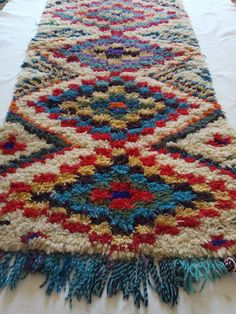 Cheap Carpet Runners For Stairs Diy Carpet, Beige Carpet, Painting Carpet, Rug Hooking Patterns, Contemporary Embroidery, Cheap Carpet Runners, Geometric Rug, Loom Weaving, How To Clean Carpet