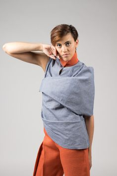 Outfit. Asymmetrical shirt and trousers. Made of jute and organic denim. Design by Rebeca Elich