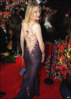 Cate Blanchett wearing John Galliano  to her first Oscars in 1999. So simple and super feminine.