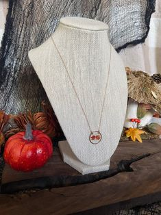 Fall Jewelry, Flower Jewelry, Leaf Necklace, Flower Necklace, Etsy Business, Pinterest For Business, Etsy Crafts, Minimalist Jewelry, Kids Decor