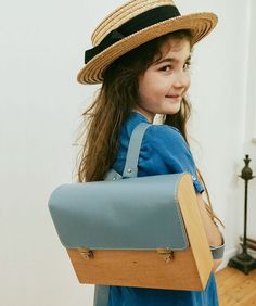 I recently received an email from Merve Burma of @gravgrav in Istanbul. She wanted to share her work with me and I'm so glad she did. Merve hand makes this kids backpack, any many other wooden satchels and bags. Please click the image link and have a look at her beautiful work. Buy one as a gift for someone else, or yourself. #bag #accessories #leather #woodbackpack #kidsbackpack