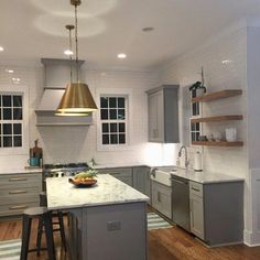 Supreme Kitchen Remodeling Choosing Your New Kitchen Countertops Ideas. Mind Blowing Kitchen Remodeling Choosing Your New Kitchen Countertops Ideas. Classic Kitchen, Farmhouse Style Kitchen, Modern Farmhouse Kitchens, Home Decor Kitchen, Rustic Kitchen, New Kitchen, Awesome Kitchen, Farmhouse Sinks, Small Kitchens