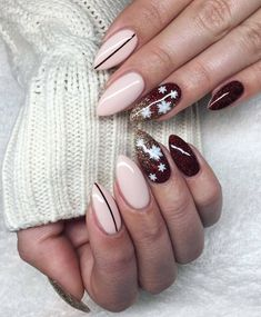 If you are getting ready for the holidays by painting a winter wonderland on your nails, these Cutest Christmas Nail Art DIY Ideas will surely give you a cheerful Christmas season this year. Cute Christmas Nails, Xmas Nails, Holiday Nails, Red Nails, Halloween Nails, Hair And Nails, White Christmas, Merry Christmas, Trendy Nail Art