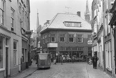 Hoek Ganzepoortstraat - Lange Vorststraat  1966