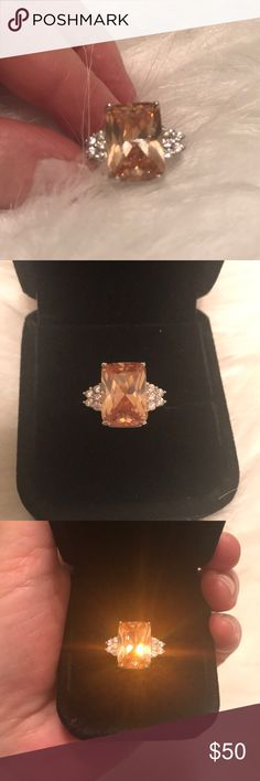 Gorgeous brilliant topaz and rhinestones ring😍❤️ Huge topaz with five rhinestones on each side size 8 in 925 Sterling Silver perfect for that special someone for Christmas 🎄🎁 Jewelry Rings