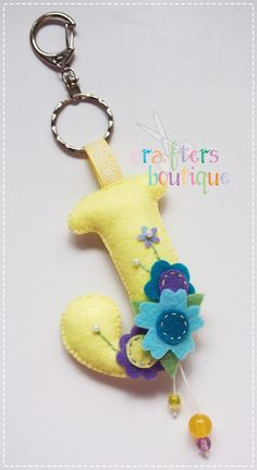 a blog about felt crafting and other handmade crafts.