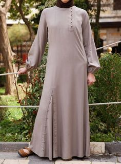 Modal Omera Dress For purple fabric Islamic Fashion, Muslim Fashion, Modest Fashion, Fashion Dresses, Mode Abaya, Mode Hijab, Muslim Dress, Hijab Dress, Abaya Designs
