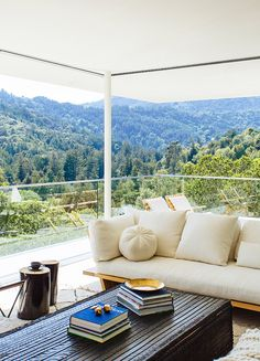 Est-Magazine-Nicole-Hollis-Living-Out2. What a view from your lounge. LOVE it.