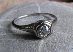 shooting star : 18K Antique White Gold Diamond Engagement Ring Old Mine Cut Art Nouveau Art Deco Edwardian Filigree size 7 to 8