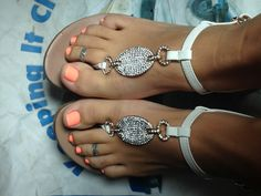 Beautiful Toes Give us a call today to see how we can help your Toenails!! (248) 945-1000
