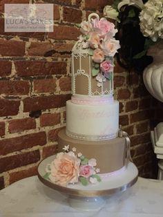 Birdcage wedding cake Birdcage Wedding Cake, Cupcake Cakes, Cupcakes, Chocolate Sponge, Fashion Cakes, Bird Cages, Beautiful Wedding Cakes, Awesome Cakes, Decorated Cakes