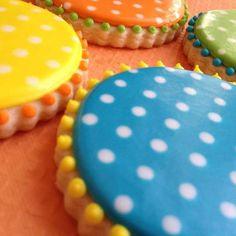 round polka dot cookies (Sweet-T-cakeS)