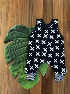 Black X Romper Easy Wear, Cute Kids, Rompers, Knitting, Cotton, How To Wear, Clothes, Black, Outfits