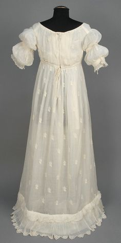 EMBROIDERED NEOCLASSICAL COTTON GOWN, 1799 - 1810