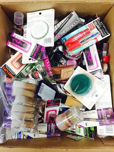 300 Mixed Pieces Wholesale Maybelline Loreal and Covergirl Cosmetics
