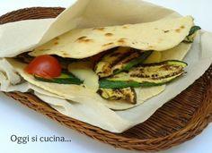 Piadina con zucchine grigliate, pomodorini e formaggio |