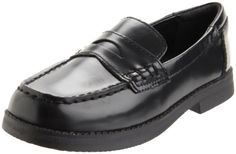 Kenneth Cole Reaction Loaf-Er Penny Loafer (Little Kid/Big M US Big Kid. This charming penny loafer from Kenneth Cole REACTION is equipped to handle all formal occasions. Boys Dress Shoes, Girls Shoes, Loafer Shoes, Loafers Men, Boy Fashion, Fashion Shoes, School Shoes, Black 7, Penny Loafers