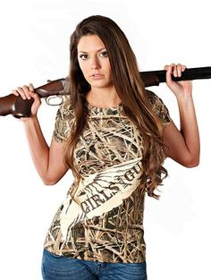 Girls with Guns Mossy Oak Blades Duck Tee Country Girl Style, Country Fashion, Country Outfits, Country Girls, My Style, Camo Outfits, Casual Outfits, Shirts For Girls, T Shirts
