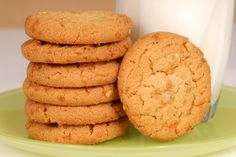 Peanut butter and weetabix cookies Sugar Free Peanut Butter Cookies, Peanut Butter Recipes, No Bake Cookies, Drop Cookies, Almond Cookies, Weetabix Recipes, Sugar Free Biscuits, Cookie Recipes, Dessert Recipes