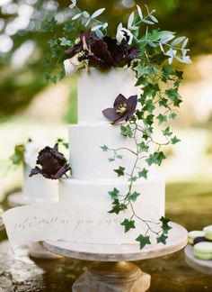 three tier ivy cake