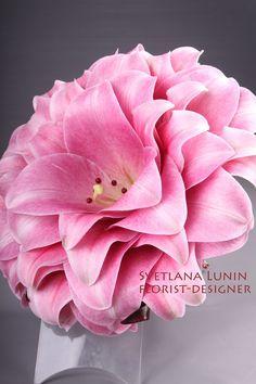 Pink composite wedding bouquet from lilies from Svetlana Lunin #glamelia #compositebouquet #pink
