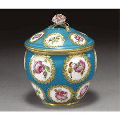 A Sèvres bleu-céleste-ground sugar box and cover circa 1765-70 - Sotheby's