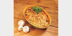 Valmista Helppo sadepäivän spagettivuoka tällä reseptillä. Helposti parasta! Cooking Tips, Cooking Recipes, Oven Baked, Food For Thought, Vegan Recipes, Good Food, Food And Drink, Baking, Dinner