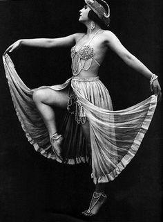 Olive Ann Alcorn, ca. 1914